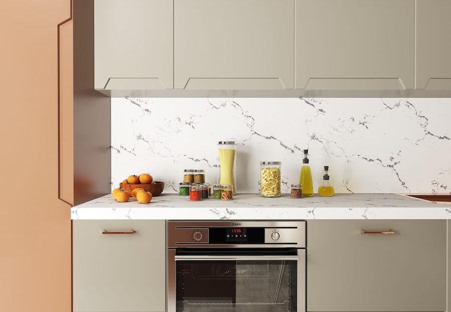 Side cabinet: Jotun 20046 Savanna Sunset Bottom and top cabinets: Jotun 1376 Mist