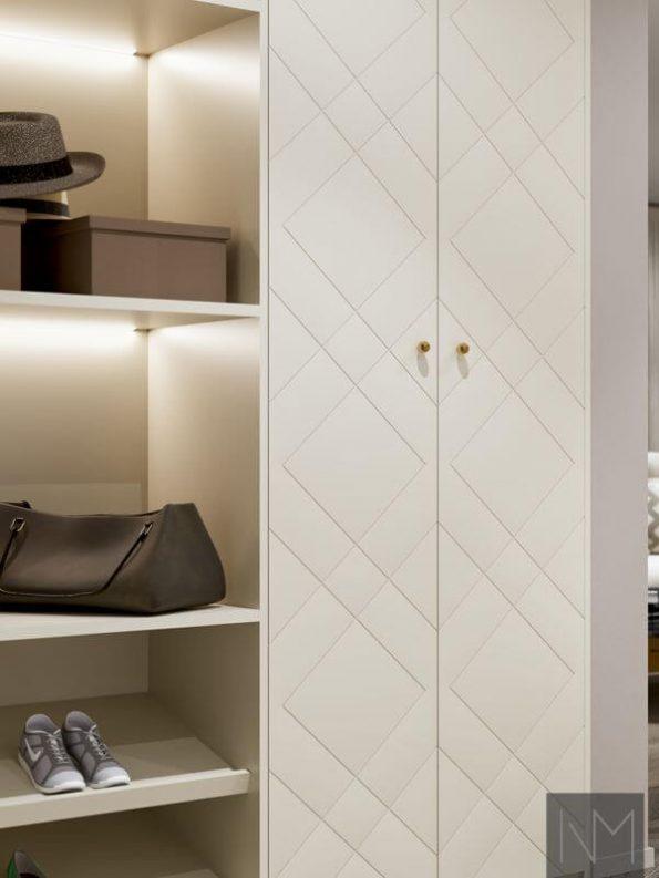 Garderobedører i design Diamond. Farge Jotun 12078 Comfort Grey