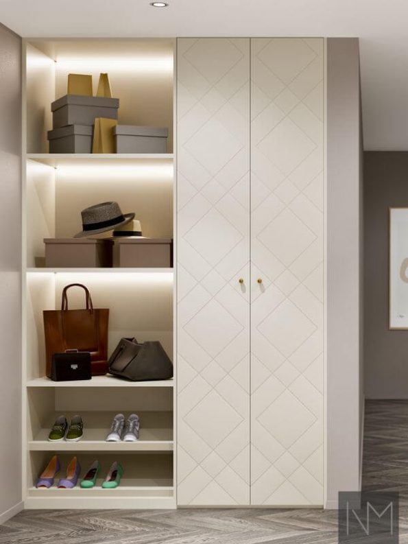 PAX garderobedører i design Diamond. Farge Jotun 12078 Comfort Grey